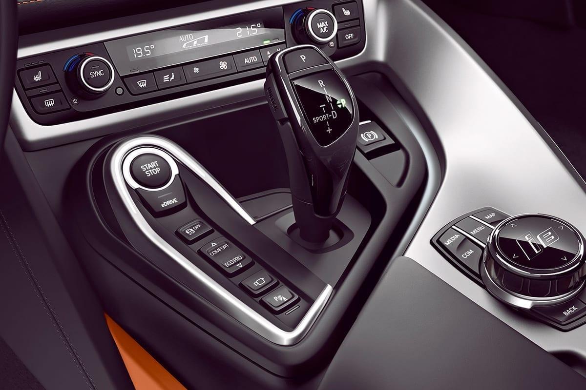 BMW i8 Coupé caja de cambios