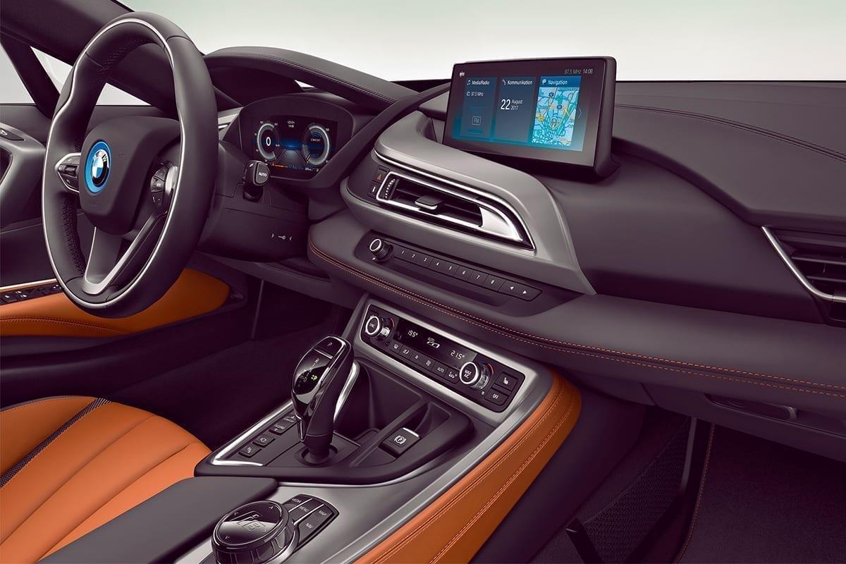 Interior renovado del BMW I8 Coupe
