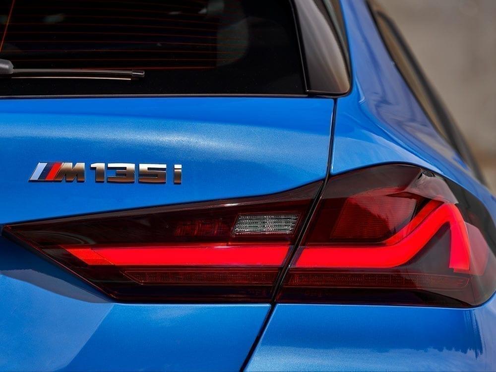Logo del BMW Serie 1 deportivo
