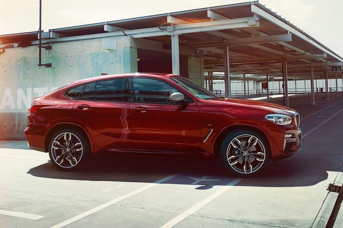 BMW x4 color Flamencorot efecto brillante