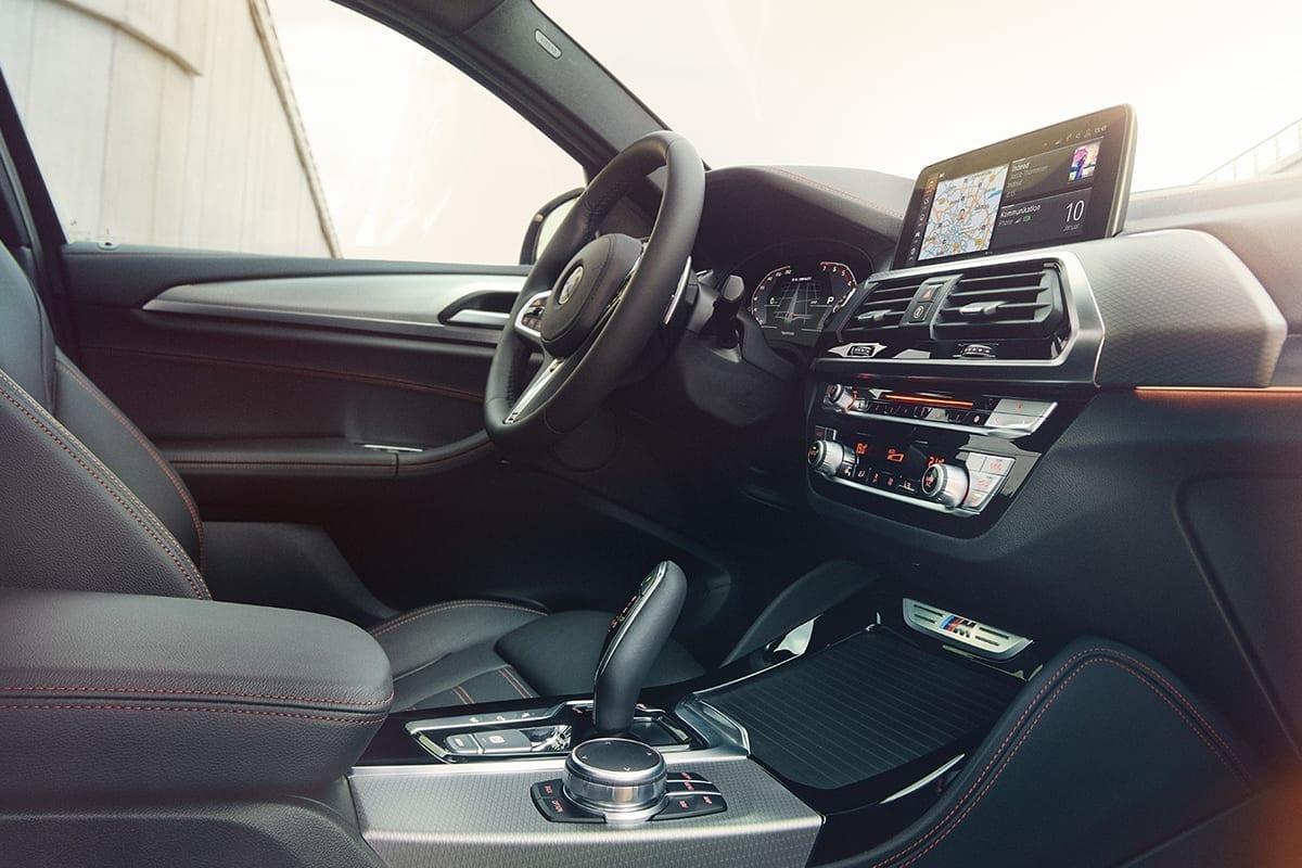 BMW X4 interior en piel de color negro