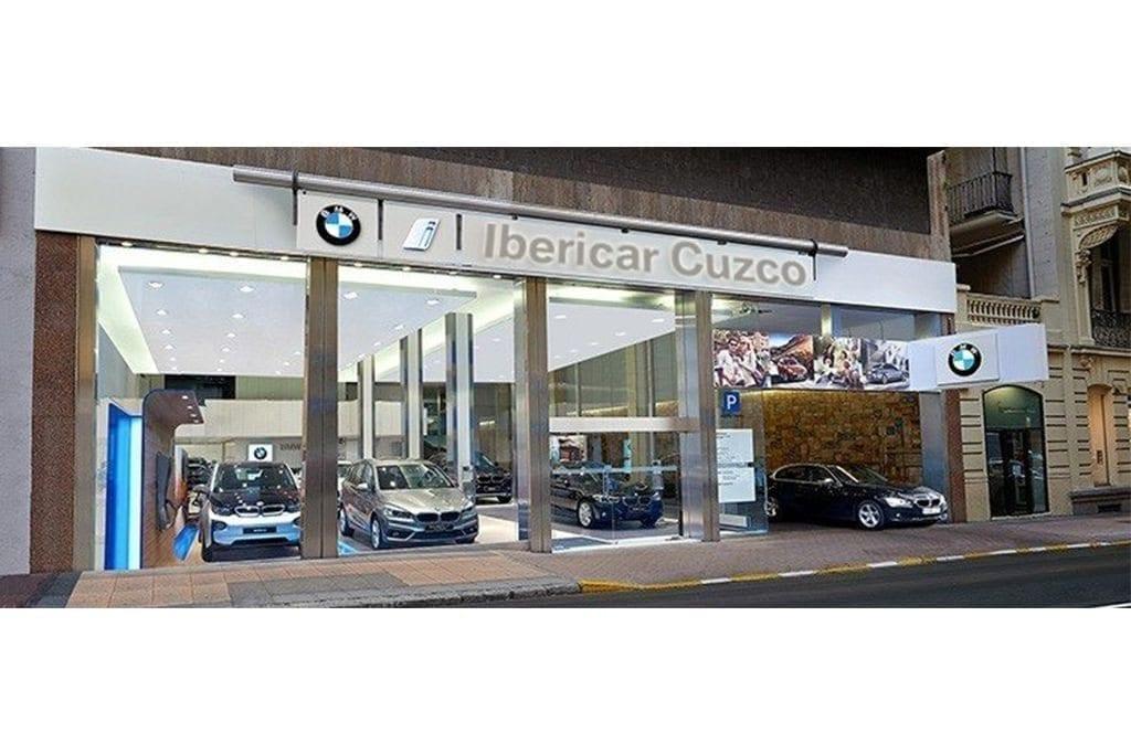 Exposición de BMW Caetano Cuzco