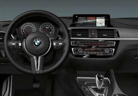 Volante BMW M2 de tres radios