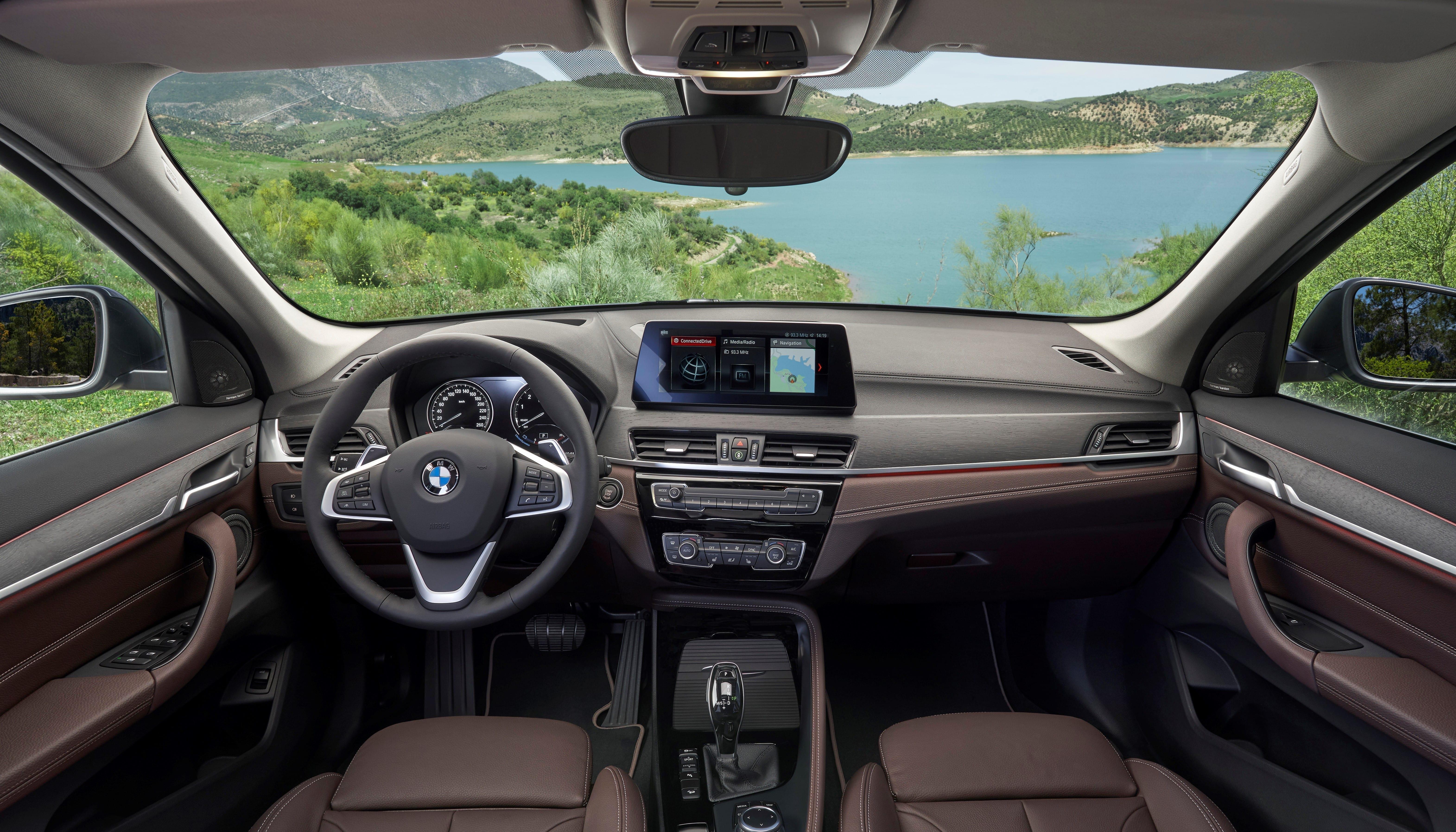Diseño interior ergonómico BMW X1